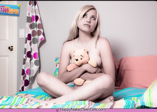 My Teddy Bear - Amanda - Happy Naked Teen Girls - Teen Picture Gallery