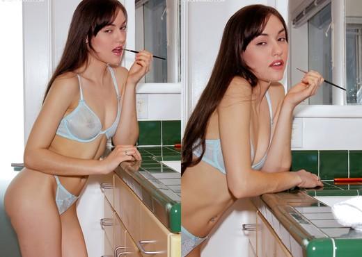 Sasha Grey - Bath - Solo Porn Gallery