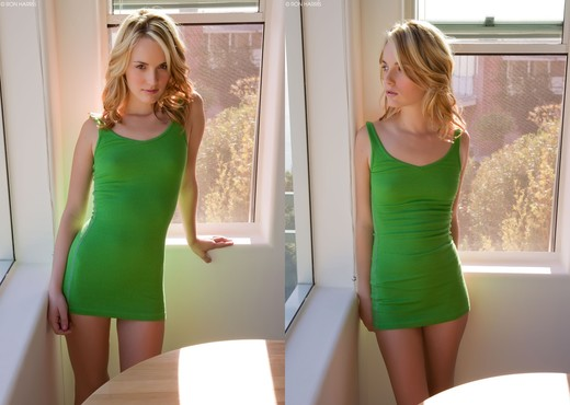 Sara James - Green - Solo Hot Gallery