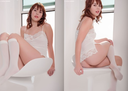 Delila Darling - White Chair - Toys HD Gallery