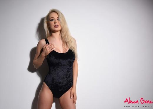 Alexa Grace teasing in her sexy black bodysuit - Solo Hot Gallery