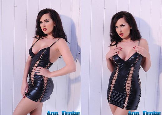 Ann Denise takes off her sexy black PVC outfit - Solo TGP