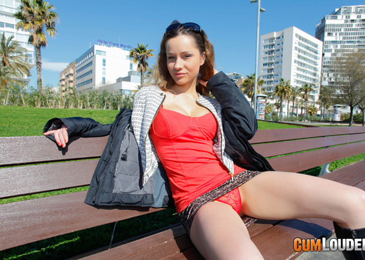 Ashley - Russian handjob - Hardcore Nude Pics