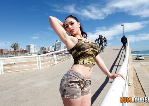 Marta La Croft - Learning to swallow - Hardcore HD Gallery