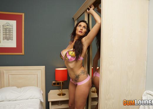 Ana Ribera - She loves the filling - Hardcore HD Gallery
