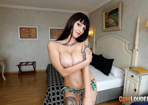 Aitana - Christmas SpunkNog - Hardcore Sexy Gallery