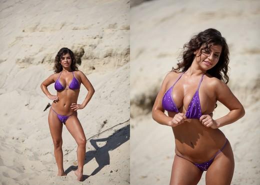 Presenting Seleste - Zemani - Solo Sexy Photo Gallery