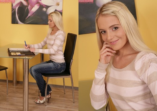 Leyla Tender - Karup's Private Collection - Solo Picture Gallery