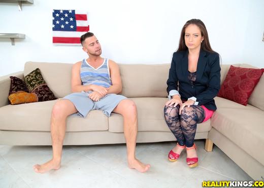 Jenni Robinson - Hey Mrs R - MILF Hunter - MILF Porn Gallery