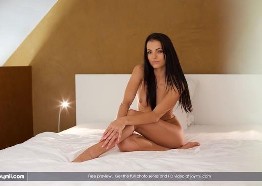 Magnificent Lady - Sapphira - Solo Nude Pics