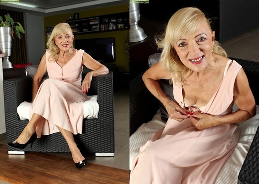 Janet Lesley - granny getting naked - MILF Hot Gallery