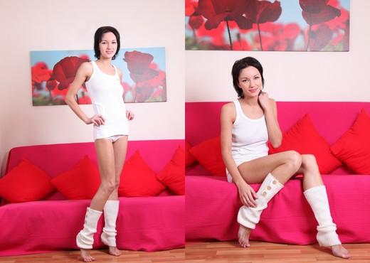 Presenting Loren - Zemani - Solo Nude Pics