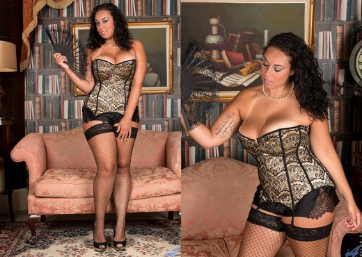 Anastasia Lux - Sexy Fishnet Stockings - MILF Image Gallery