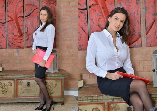 Sensual Jane - Sexy Secretary - MILF Nude Gallery