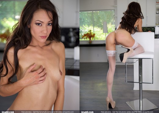 Look At Me - Mila Blaze - Solo Image Gallery