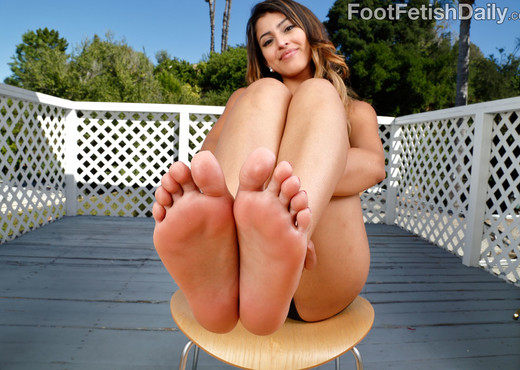 Sophia Leone Loves Her Feet Worshipped and Fucked - Hardcore Hot Gallery