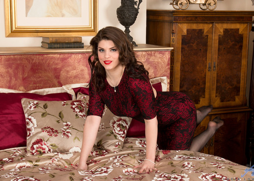 Lucia Love - Naughty Secret - MILF Nude Pics