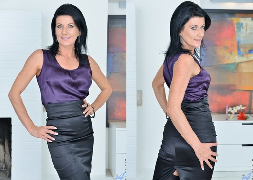 Celine Noiret - Business Sexy - MILF Porn Gallery