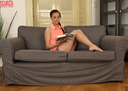 Nikola Bradley reads a book and masturbates - Solo Nude Gallery