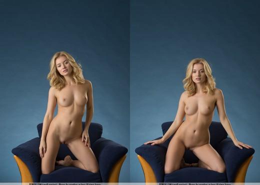 Playing Dangerous - Gabi - Solo Nude Pics
