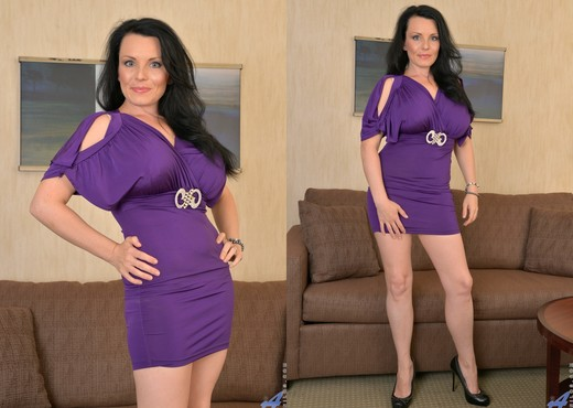 Stacy Ray - Purple Passion - MILF Nude Pics