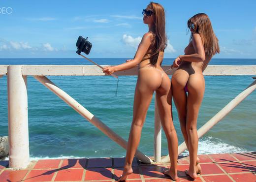 Venezuelan Sunshine - Lola Banny - Lesbian Picture Gallery