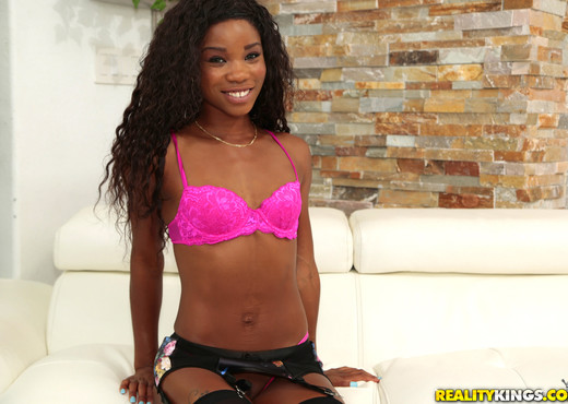 Jazzi, Mya Mays - Ass Sandwich - Round And Brown - Ebony Sexy Gallery