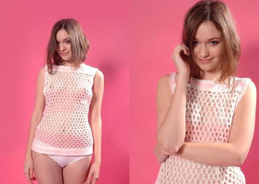 Pink shadow - Elize - Zemani - Solo Image Gallery