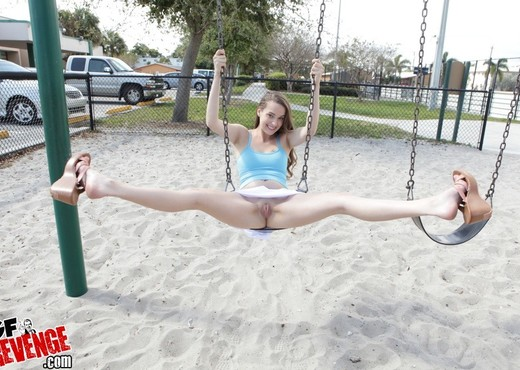Vanessa Renee - Sexy Swinger - GF Revenge - Amateur Nude Pics