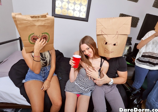 Joseline Kelly - Paper Bag Party - Dare Dorm - Amateur HD Gallery