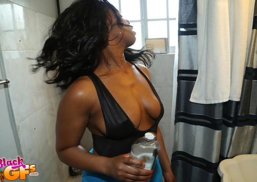 Dani - Delicious Dani - Black GFs - Ebony Sexy Photo Gallery