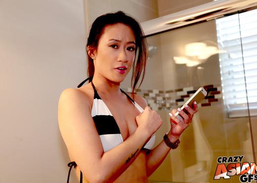 Amber Q - Bikini Selfie - Crazy Asian GFs - Asian Nude Gallery