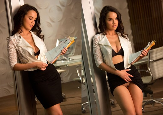 Dillion Harper Is Your Sexy New Assistant - Solo Nude Pics