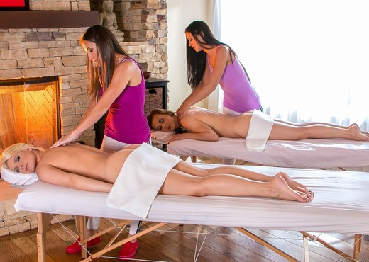 Mother Daughter Spa Day - Lesbian Image Gallery