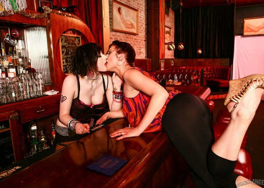 Tip Your Bartender -  With Pussy Eating ! - Lesbian Sexy Photo Gallery