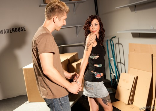 Krysta Kaos - Warehouse Romp - Hardcore HD Gallery