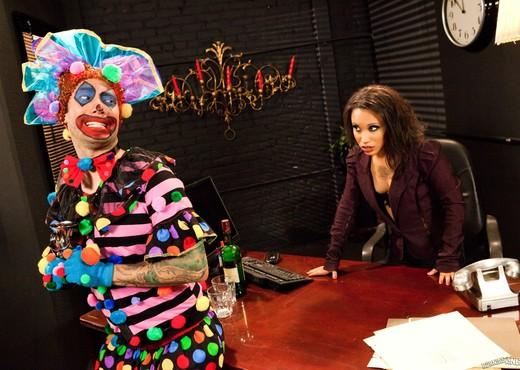 Twix - What A Clown! - Hardcore TGP