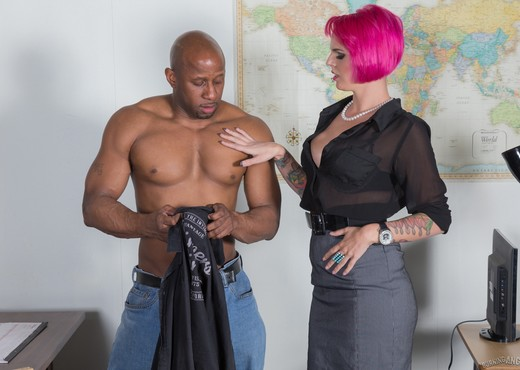 Geisha Monroe - It Is Muy Caliente - Interracial Hot Gallery