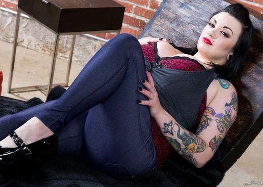 Scarlet LaVey - Follow Me - Hardcore HD Gallery