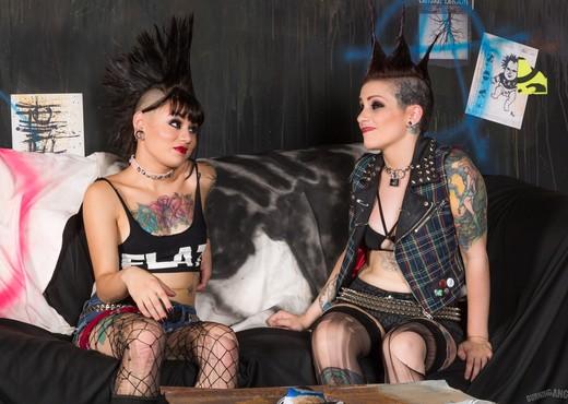 Rizzo Ford, Amelia Dire - Street Punxxx - Part 2 - Lesbian TGP