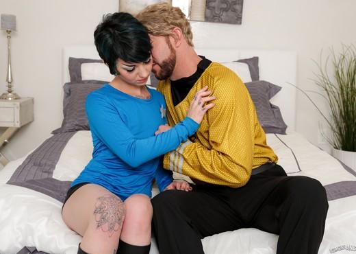 Rachel Ravaged - Trekkie Love - Hardcore Porn Gallery