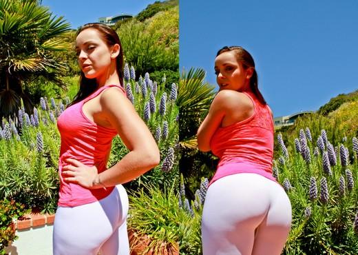 Liza del Sierra - Stretch Class #07 - Ass TGP