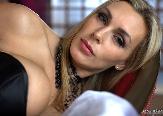 Tanya Tate - Movement - Daring Sex - MILF Hot Gallery