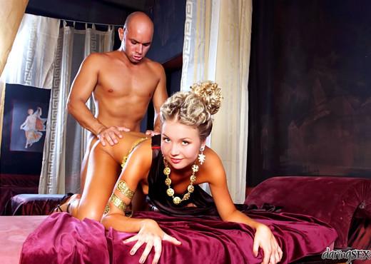 Roma #02 - Daring Sex - Hardcore Image Gallery