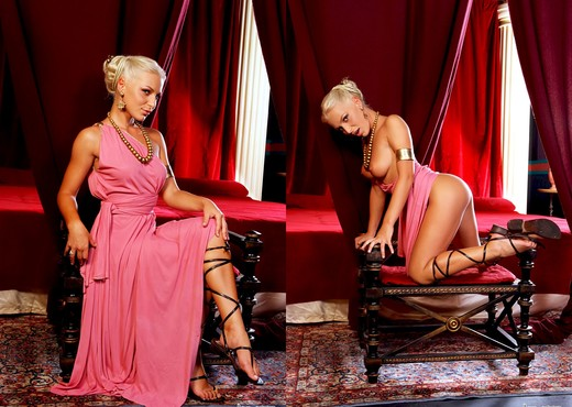 Jennifer Love, Lydia St. Martin - Roma #01 - Anal Nude Pics