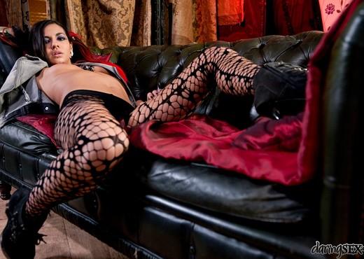 Holly D - Rock Chicks - Daring Sex - Hardcore Sexy Photo Gallery
