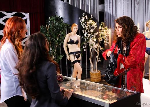 Jayden Cole, Melissa Jacobs - Pretty Woman A XXX Parody - Lesbian Picture Gallery