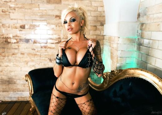 Delta White - Daring X Files #10 - Hardcore Porn Gallery