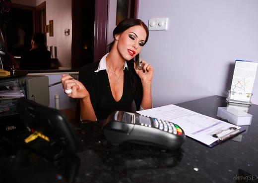 Megan Coxxx - Hotel Voyeur - Hardcore TGP