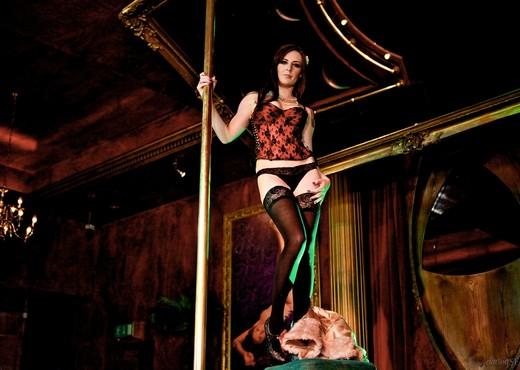 Samantha Bentley - The Velvet Lounge - Hardcore HD Gallery